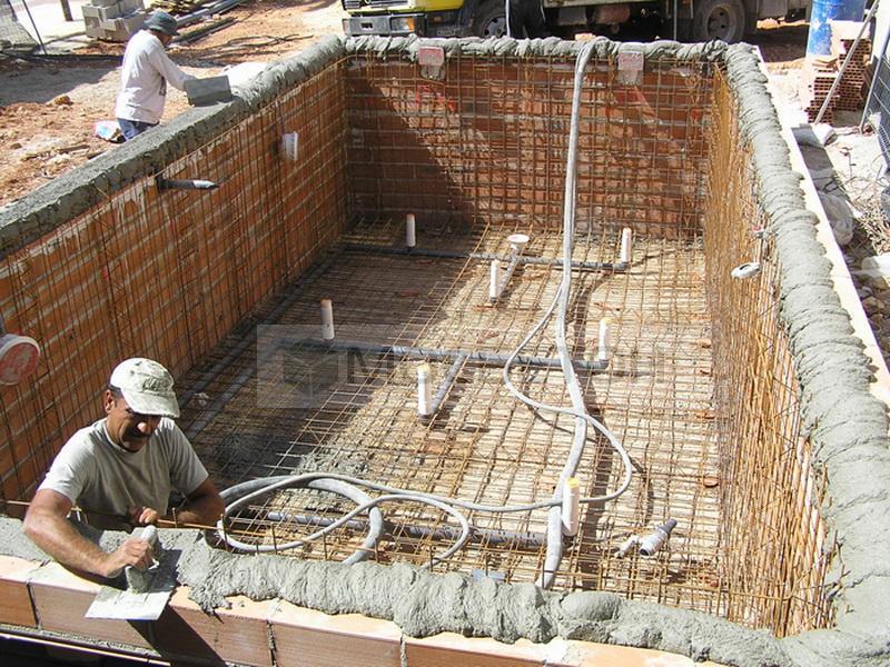 Бетонная смесь для бассейна купить пластификатор для бетона в архангельске