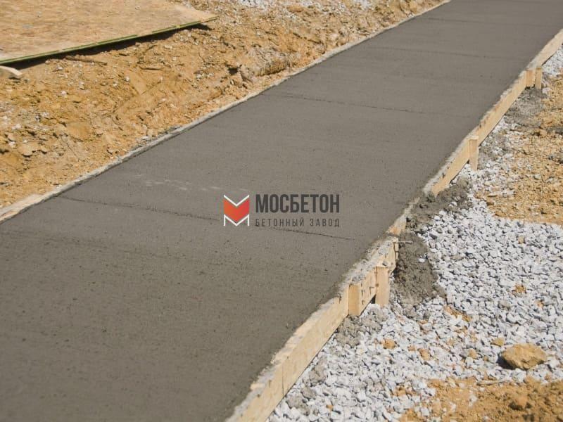 заливка тротуара бетоном