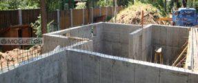Монолиттные стены